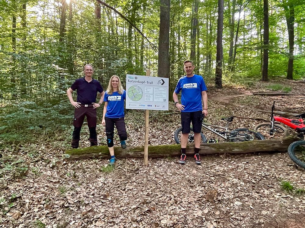 Eröffnung Katzenkopf Trail Kernen DIMB IG Rems Murr und Kreisforstamt Patric Ortwein und Janet Weick